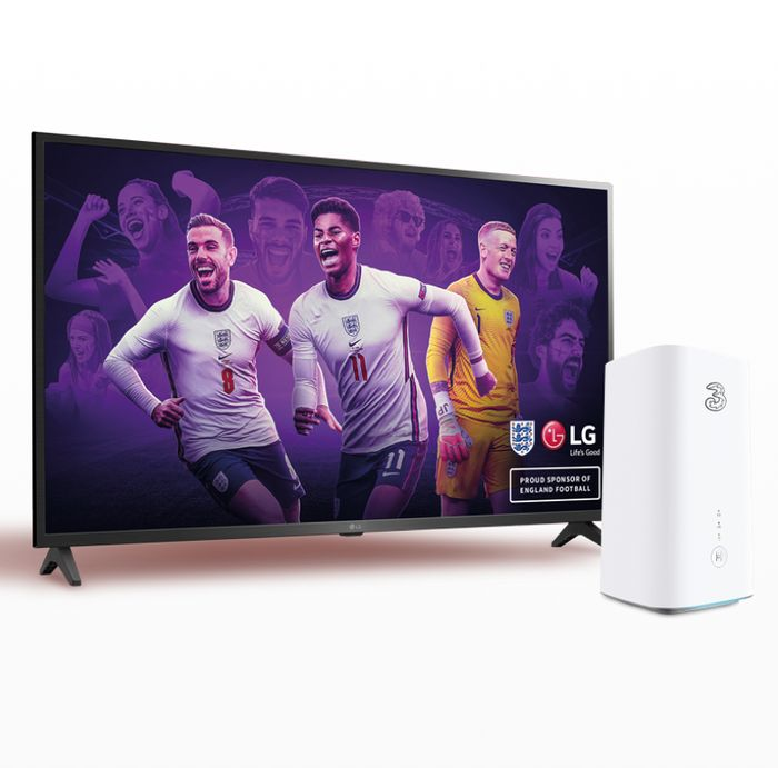 "Three Broadband 5G Hub With 100Mbps Download + Free 43"" 4K TV - £30p/m"