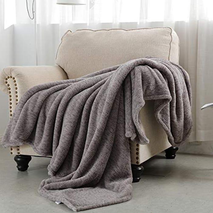 SOCHOW Sherpa Fleece Throw Blanket - Only £8.40!
