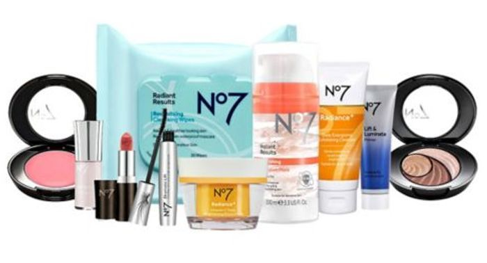 No7 Selfcare Bundle Only £45 with Code + Free No7 Hydrate and Glow Makeup Bag