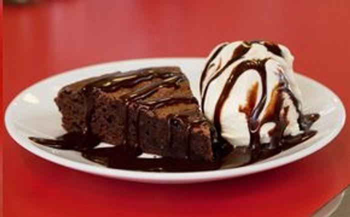 FREE Chocolate Brownie When You Download Ed's Easy Diner App