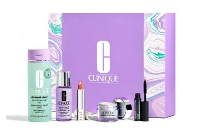 Clinique Spring Essentials Gift Set - Only £35.55 with Code (Worth over £97)