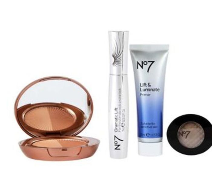Today only : No7 Evening Essentials Kit worth £49 only £10