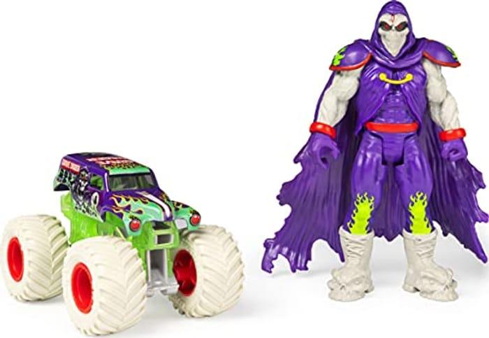 Monster Jam Official Grave Digger Action Figure Set