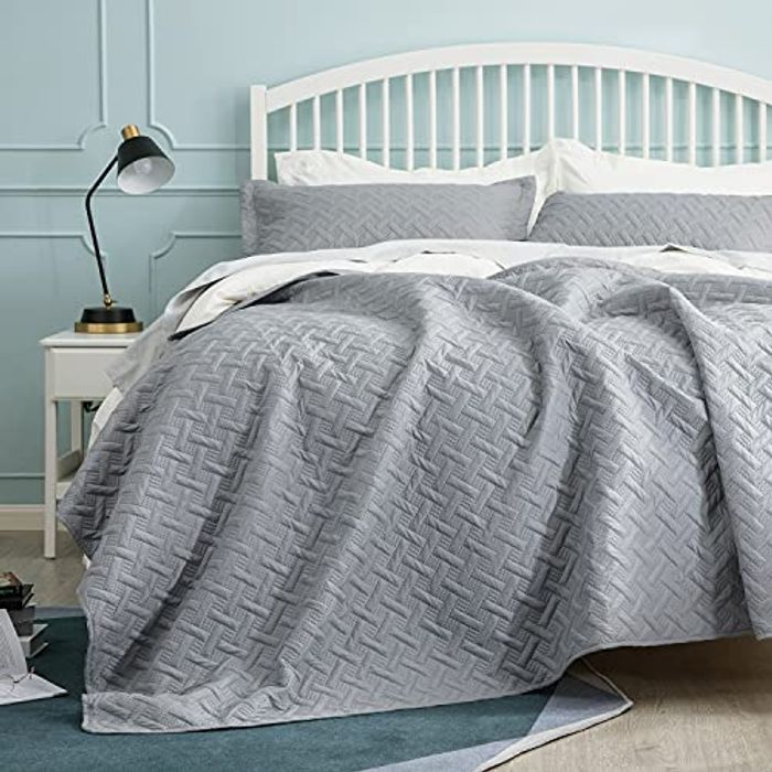 DEAL STACK - Bedsure Double Size Lightweight Quilted Bedspreads + £2 Coupon