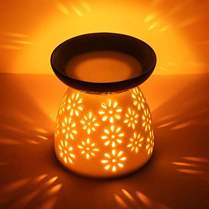 CMXING White Ceramic Hollowing Floral Aroma Lamp Oil Burner - Only £3.77!