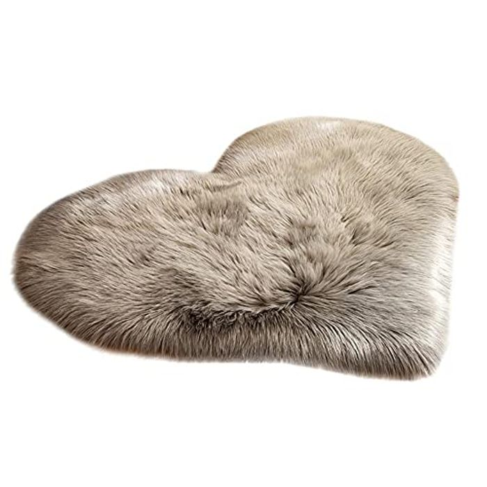 Cenlang Fluffy Faux Sheepskin Fluffy Heart Shaped Area Rug - Only £7.59!
