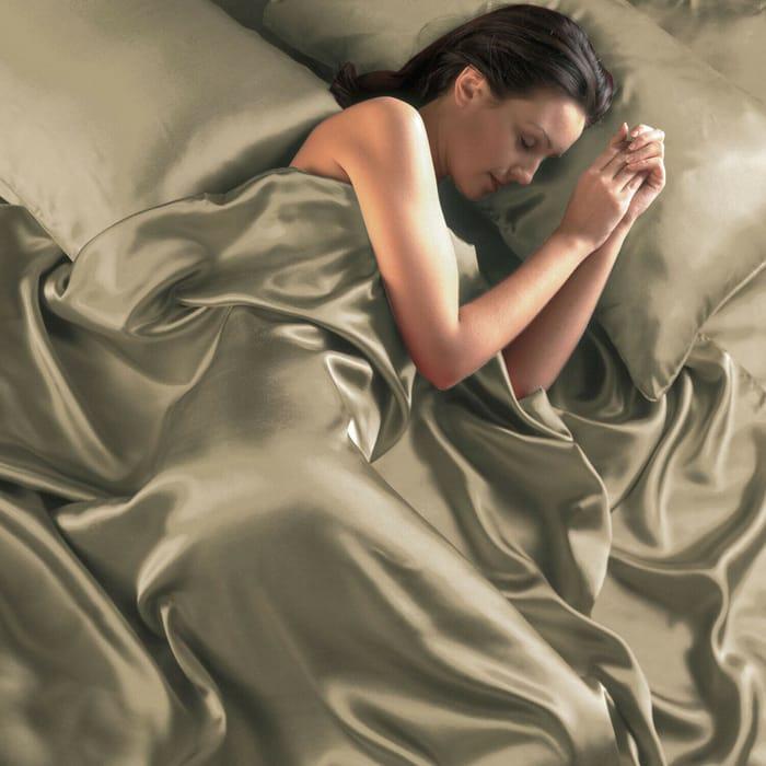 Luxury Silken Satin Finish Bed Sets inSuperKing Size