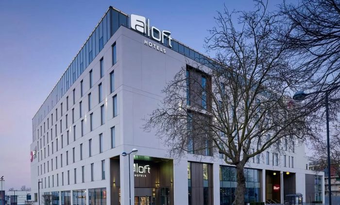 Night Stay at 4* Marriott in Birmingham Inc Breakfast, Wine + Late Checkout
