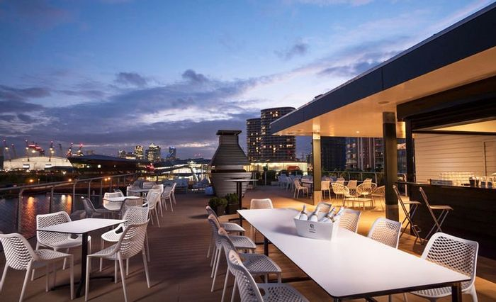 4* Floating Hotel London Stay for 2 Inc Breakfast & Cable Car Tickets at Wowcher