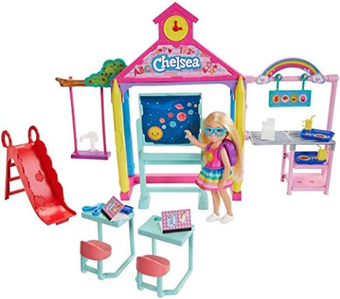 Barbie GHV80 Club Chelsea School Playset