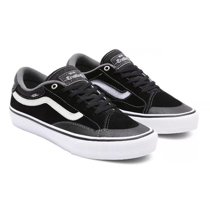 Vans Outlet - Up To 50% Off Over 1300 Items From £4.55 + Free Delivery