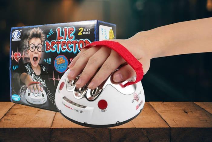 *SAVE £25* Novelty Electric Lie Detector Game