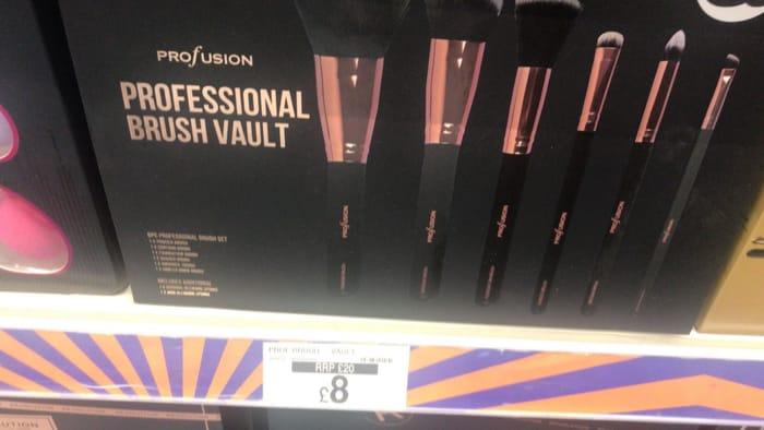Profusion Professional Brush Vault
