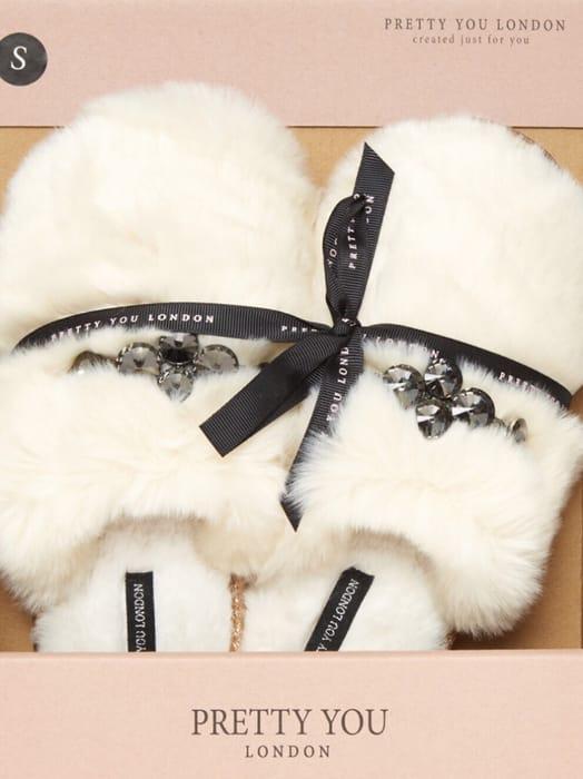 PRETTY YOU LONDON Cream Vogue Faux Fur Slippers