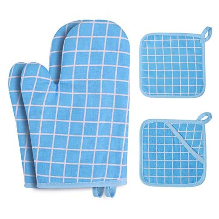 4pcs Heat Resistant Oven Gloves and Pot Holder Set