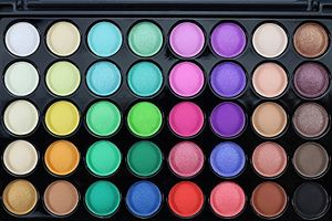 Flyclore 40 Colors Matte Eyeshadow + Brush Set Palette