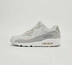 Nike Air Max 90 Essential Trainer | Wolf Grey / Platinum Sizes 6 > 12