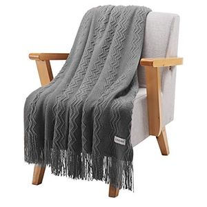 Premium Knitted Soft Breathable Warm Blanket Throw 127 X 152 Cm