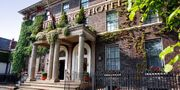 £135 – York Townhouse Getaway W/3-Course Dinner, save 44%