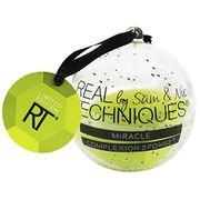 Real Techniques Miracle Complexion Make-up Sponge, Christmas Tree Bauble