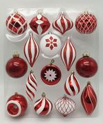 The Red & White Bauble 16pc Feature Set