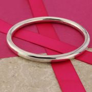 25% off Our Classically Beautiful Plain round Silver Bangle