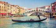 £149pp Deluxe 3-Night Central Venice Stay W/flights