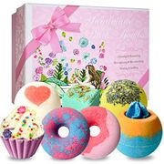 7 Piece Bath Bomb Set Down From £15.99 to £11.69