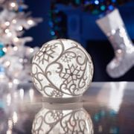 Magical Light up Glitter Globe - Cool White