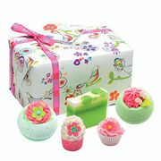 Bomb Cosmetics Three Little Birds Handmade Wrapped Bath & Body Gift Pack