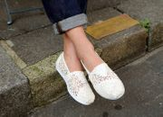 Toms White Lace Leaves Women's Classics