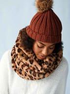 Womens Rust Ribbed Pom Beanie Hat