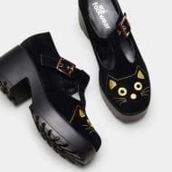 Fuji Cat Face Shoes